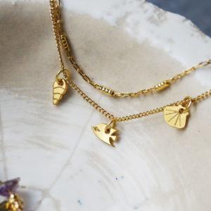 Bracelet #1 3 pampilles et chaine double - finition chaine rectangle et poisson papilllon or sur un coquillage - Les Naturalistes bijoux