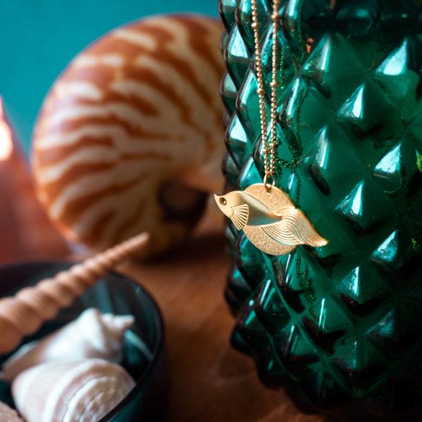 Sautoir poisson voile finition Or avec coquillages et nautile - Les Naturalistes bijoux